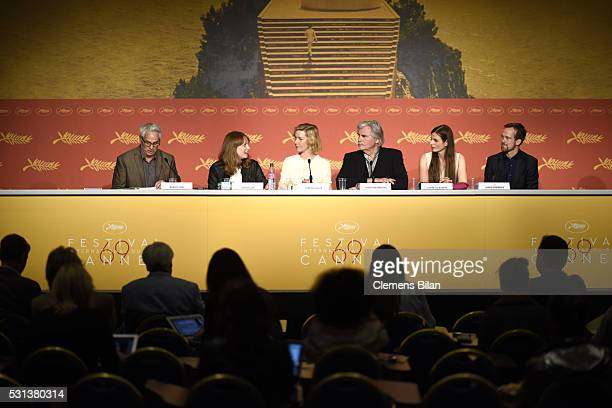 "Director Maren Ade, actors Sandra Hueller and Peter Simonischek and producer Janine Jackowski speak at the ""Toni Erdmann"" press conference during the..."