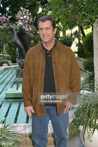 OUT*** Director Mel Gibson answers questions from the press at a junket for 'The Passion of the Christ' at the Four Season Hotel on February 112004...