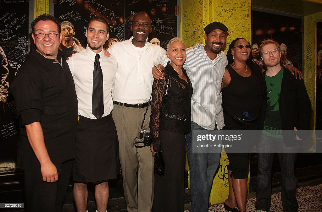 """""""RENT"""" on Broadway Closing Night - Arrivals and Curtain Call : News Photo"""