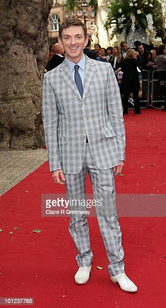 Director Michael Patrick King arrives at the UK premiere of Sex And The City 2 at Odeon Leicester Square on May 27, 2010 in London, England.