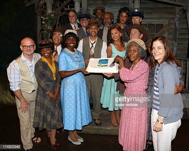 Director Michael Wilson Adepero Oduye Cuba Gooding Jr Vanessa Williams Tom Wopat Cicely Tyson and Hallie Foote with cast attend 'The Trip To...