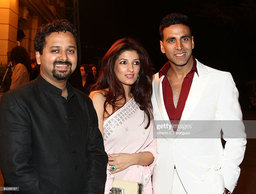 Director Nikhil Advani actress Twinkle Khanna and actor Akshay Kumar arrive at a special screening of Warner Bros`s `Chandni Chowk to China` on the...