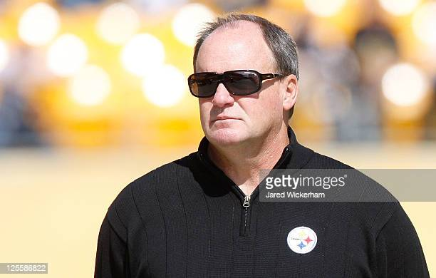 Director of football operations Kevin Colbert watches the Pittsburgh Steelers warm up prior to the game against the Seattle Seahawks on September 18...
