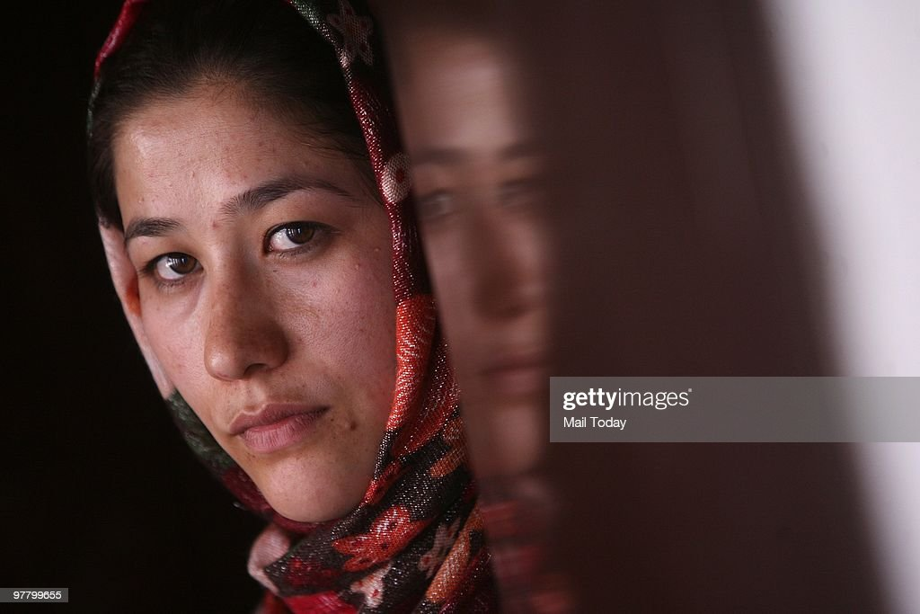 Afghan Play Salsal and Shahmama By Monireh Hashemi : Nyhetsfoto