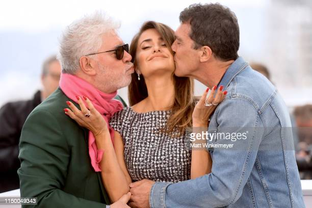 """Director Pedro Almodovar, Penelope Cruz and Antonio Banderas attend the """"Pain And Glory """" photocall during the 72nd annual Cannes Film Festival on..."""