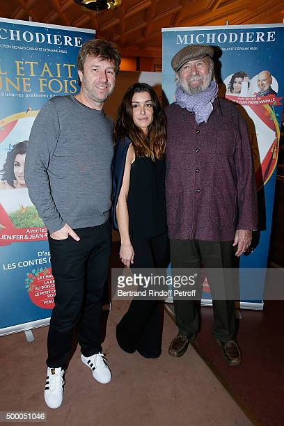 Director Richard Caillat poses with Narrators Jennifer and JeanPierre Marielle during the Il Etait Une Fois Theater Play at Theatre de La Michodiere...