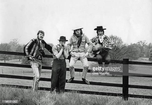 Director Richard Stanley cameraman Chris Morphet actor Matthew Scurfield and Pete Townshend of The Who during the making of the film 'The Lone...