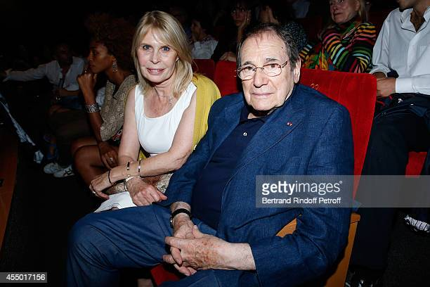 Director Robert Hossein and his wife Candice Patou attend the 'Breves de Comptoir' : movie premiere at Theatre du Rond Point on September 8, 2014 in...