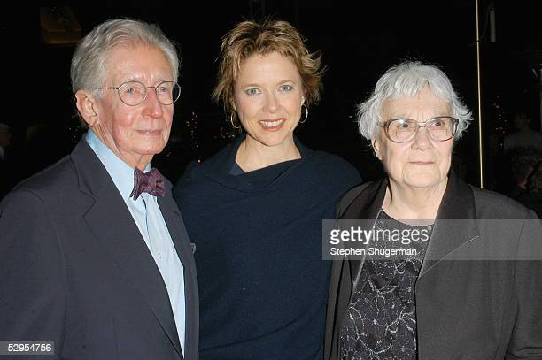 Director Robert Mulligan actress Annette Bening and writer Harper Lee attend the Library Foundation of Los Angeles 2005 Awards Dinner honoring Harper...