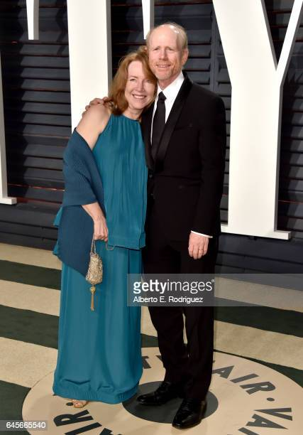 Director Ron Howard and Cheryl Howard attend the 2017 Vanity Fair Oscar Party hosted by Graydon Carter at Wallis Annenberg Center for the Performing...