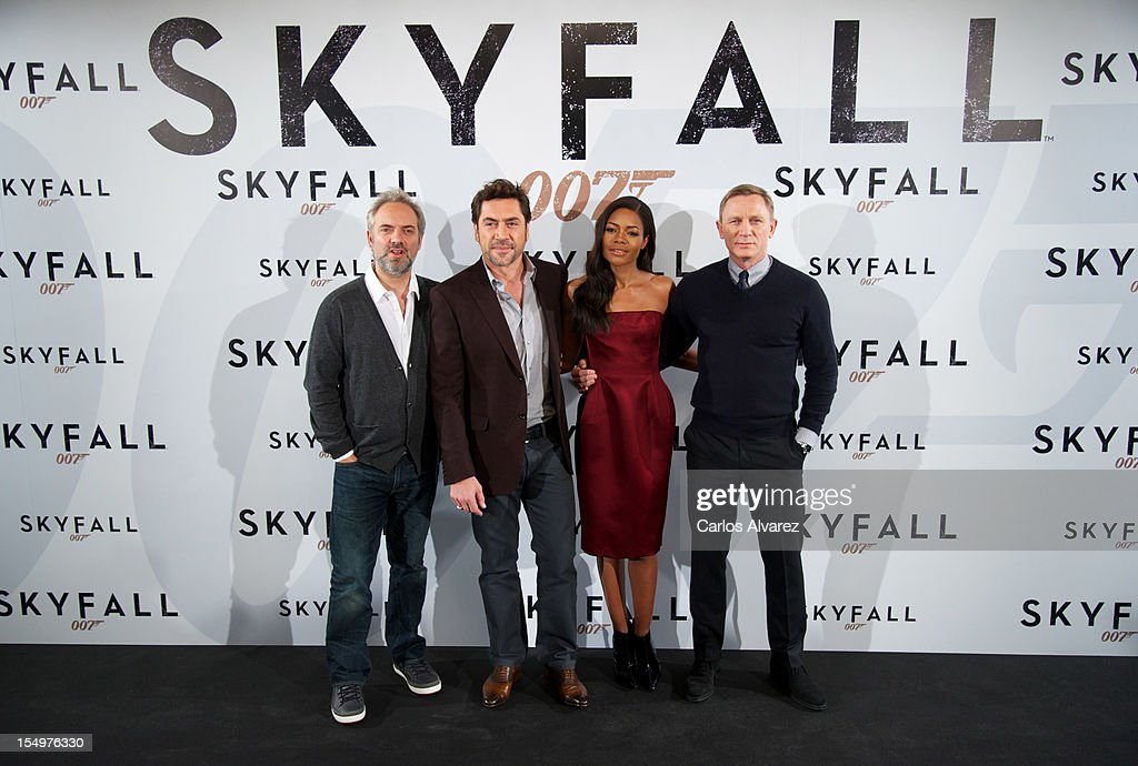 Director Sam Mendes, actor Javier Bardem, actress Naomie Harris and actor Daniel Craig attend the 'Skyfall' photocall at the Villamagna Hotel on October 29, 2012 in Madrid, Spain.