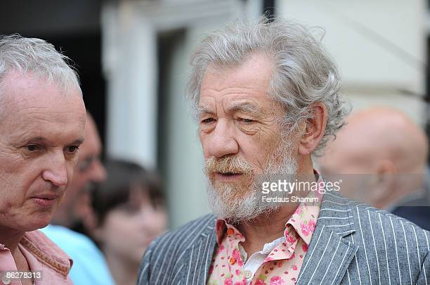 Director Sean Matthias and Sir Ian Mckellen attend a photocall for the Westend play Waiting For Godot at The Theatre Royal on April 28 2009 in London...