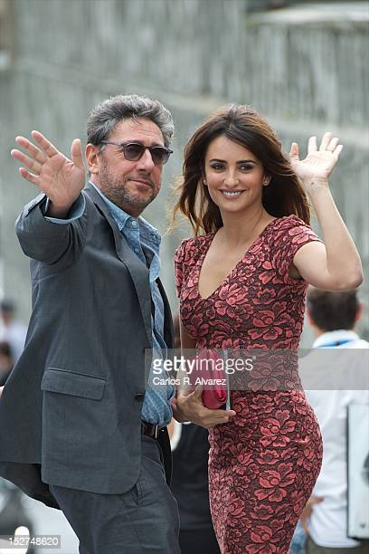 Director Sergio Castellitto and Spanish actress Penelope Cruz attend the 'Venuto al Mondo' photocall at the Kursaal Palace during the 60th San...