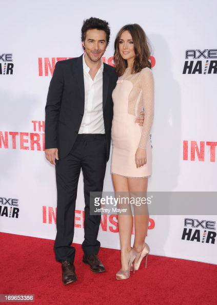 Director Shawn Levy and actress Rose Byrne arrive at 'The ...Rose Byrne The Internship Scenes