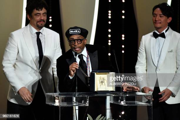 TOPSHOT US director Spike Lee delivers a speech on stage on May 19 2018 flanked by USPuerto Rican actor and President of the Un Certain Regard jury...