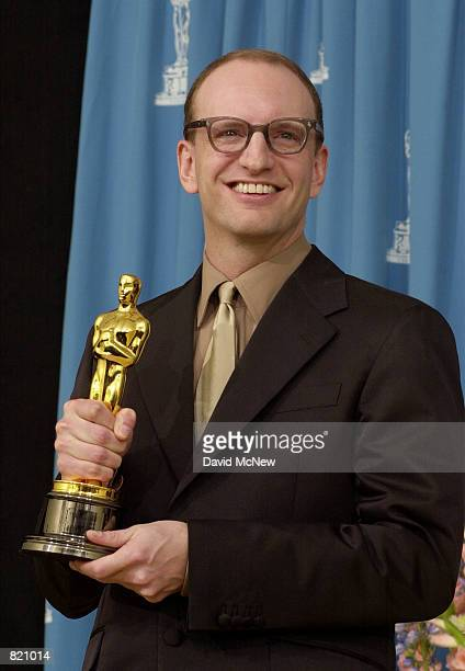 Director Steven Soderbergh poses for photographers during the 73rd Annual Academy Awards March 25 2001 at the Shrine Auditorium in Los Angeles...
