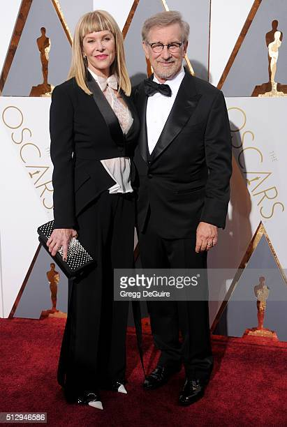 Director Steven Spielberg and actress Kate Capshaw arrive at the 88th Annual Academy Awards at Hollywood Highland Center on February 28 2016 in...