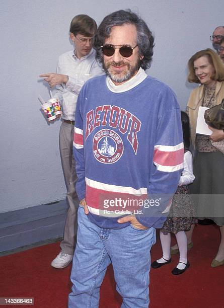Director Steven Spielberg attends the 'Aladdin' Hollywood Premiere on November 8 1992 at the El Capitan Theatre in Hollywood California