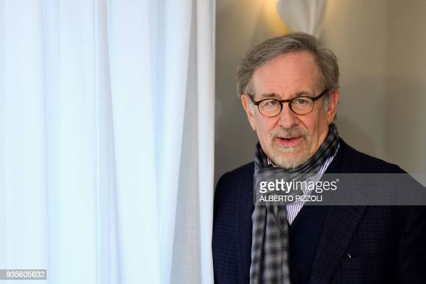 US director Steven Spielberg poses during a photocall ahead of the premiere of his last movie Ready Player One on March 21 2018 in Rome / AFP PHOTO /...
