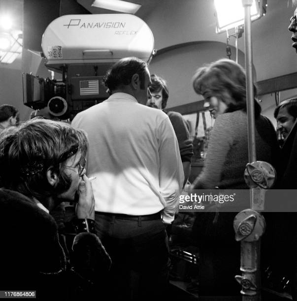 Director Stuart Hagmann actor Jacqueline Bisset actor Michael Sarrazin and actor Tom Lacy on the set of the Israel Horovitz movie Believe In Me in...