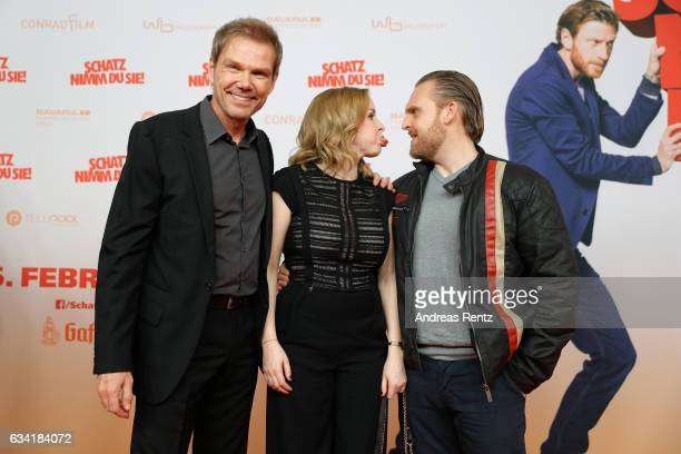 Director Sven Unterwaldt Jasmin Schwiers and Axel Stein attend 'Schatz Nimm Du sie' German movie premiere at Cineplex Cologne on February 7 2017 in...