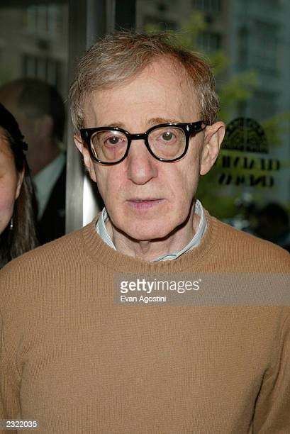 Director Woody Allen arriving at the Hollywood Ending film premiere at Chelsea West Cinema in New York City April 23 2002 Photo Evan...