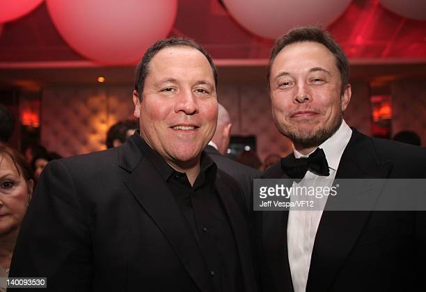 Director/actor Jon Favreau and entrepreneur Elon Musk attend the 2012 Vanity Fair Oscar Party Hosted By Graydon Carter at Sunset Tower on February 26...