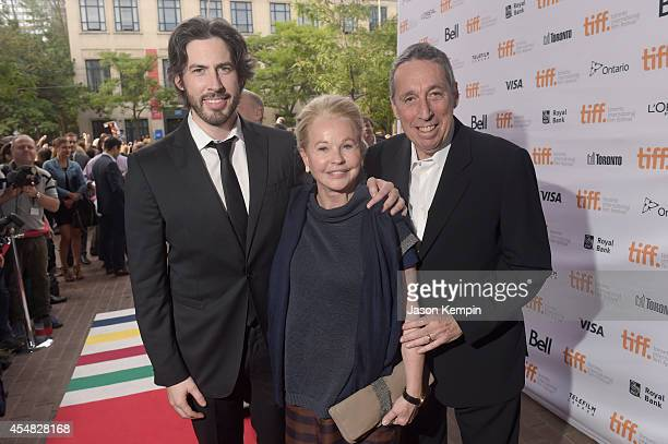 Director/CoWriter/Producer Jason Reitman with parents Geneviève Robert and Ivan Reitman attend the Gala Screening of Paramount Pictures' MEN WOMEN...