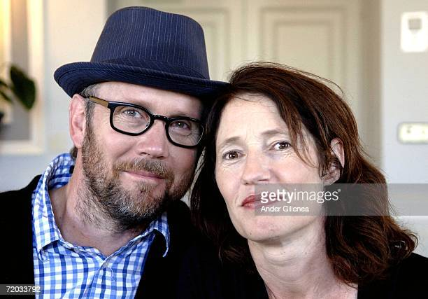 Directors Jonathan Dayton and Valerie Faris pose to promote their film 'Little Miss Sunshine' during the San Sebastian Film Festival on September 28...