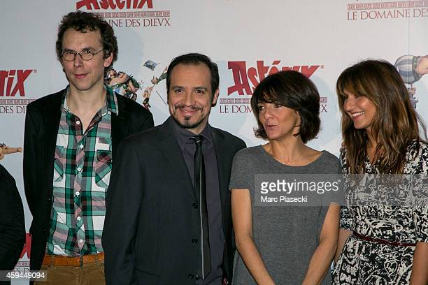 Directors Louis Clichy Alexandre Astier actresses Florence Foresti and Geraldine Nakache attend the 'Asterix Le Domaine des Dieux' Premiere at Le...