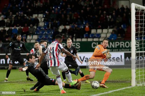 Dirk Marcellis of PEC Zwolle Bartholomew Ogbeche of Willem II Diederik Boer of PEC Zwolle during the Dutch Eredivisie match between Willem II v PEC...