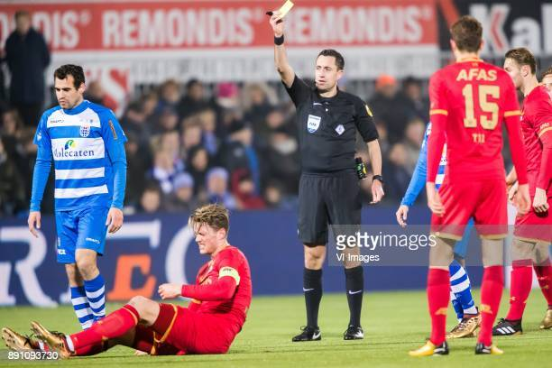 Dirk Marcellis of PEC Zwolle Wout Weghorst of AZ referee Dennis Higler during the Dutch Eredivisie match between PEC Zwolle and AZ Alkmaar at the...