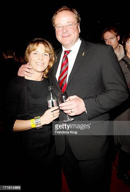 Dirk Niebel Und Ehefrau Andrea Bei Der Premiere Des Musicals Cats Im Theaterzelt In Berlin Am 130311