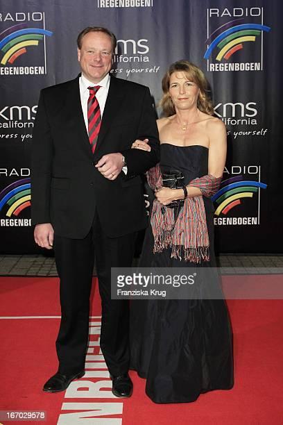 Dirk Niebel Und Ehefrau Andrea Beim Radio Regenbogen Award In Der Schwarzwaldhalle In Karlsruhe