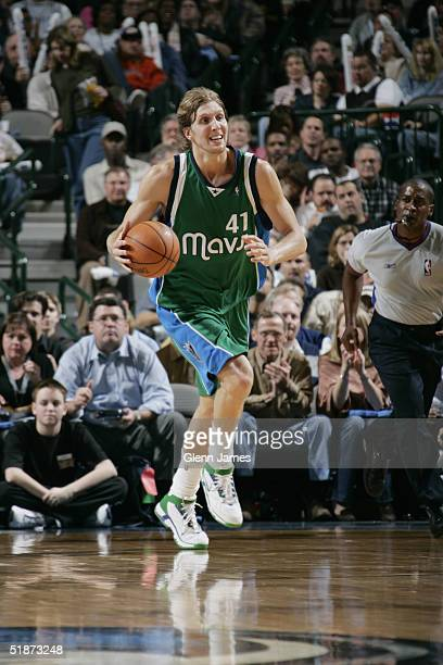Dirk Nowitzki 2004 Stock Pictures, Royalty-free Photos & Images ...