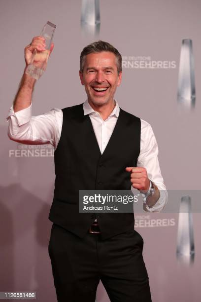Dirk Steffens poses with his award during during the German Television Award at Rheinterrasse on January 31, 2019 in Duesseldorf, Germany.