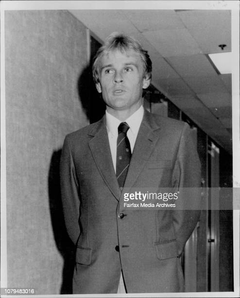 Dirk Wellham at Solicitor's office in Martin Place to about sign a Statutory Declaration April 23 1985