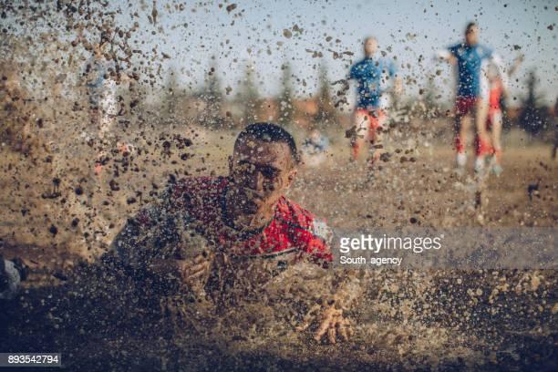 dirty spiel - rugby sportart stock-fotos und bilder
