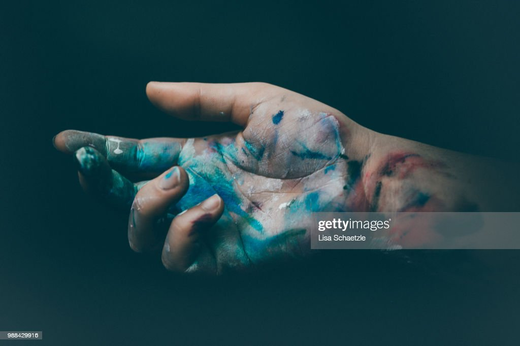 Dirty Hands of an Artist full of paint : Stock-Foto