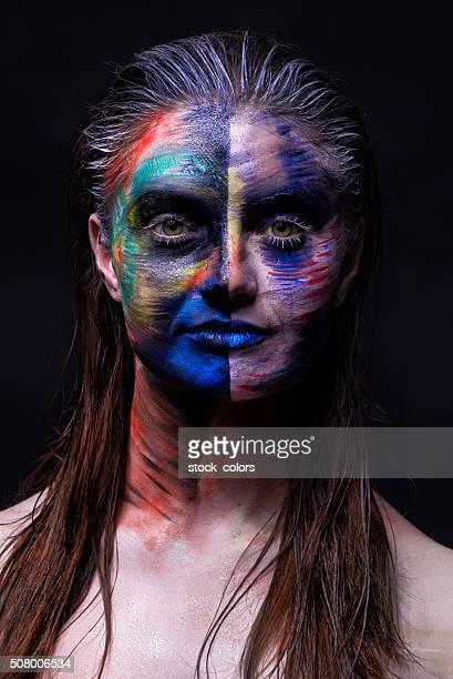 schmutzig make-up auf der haut - kunst, kultur und unterhaltung stock-fotos und bilder