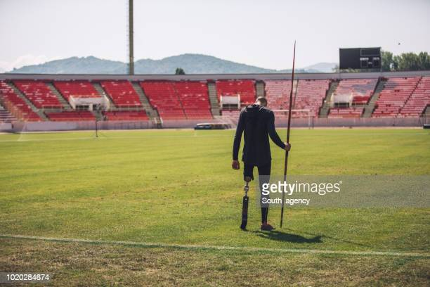 disability guy javelin thrower - men's field event stock pictures, royalty-free photos & images