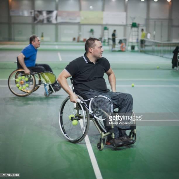 disabled tennisplayers - 車いすテニス ストックフォトと画像