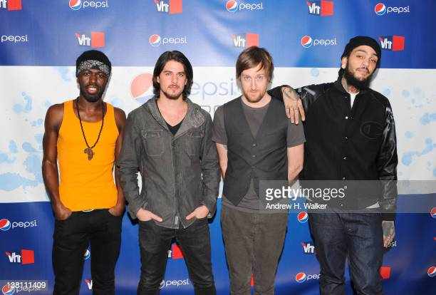 Disashi LumumbaKasongo Eric Roberts Matt McGinley and Travie McCoy of the Gym Class Heroes attend Vh1 Pepsi Super Bowl Fan Jam with Gym Class Heroes...