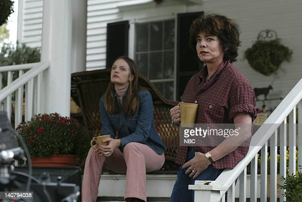 WING 'Disaster Relief' Episode 6 Aired Pictured Elisabeth Moss as Zoey Bartlet Stockard Channing as Abbey Bartlet Photo by NBCU Photo Bank