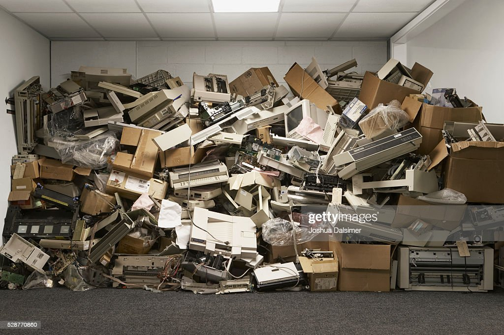 Discarded computer hardware : Stock Photo