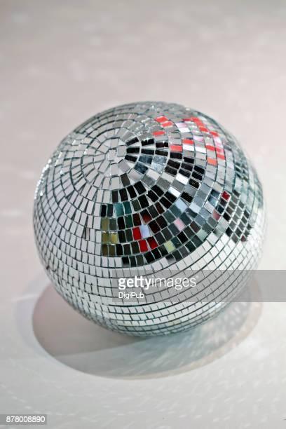 disco ball - disco ball foto e immagini stock
