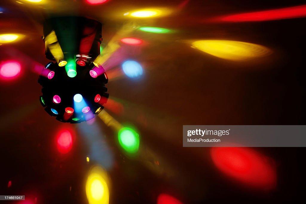 Promocione sus eventos y ocasiones especiales con estas plantillas de volantes para discotecas.