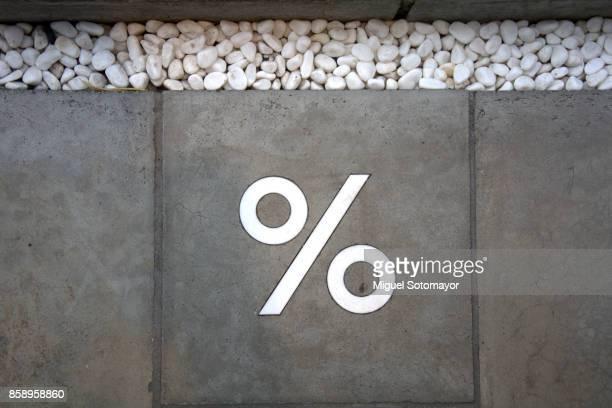 discount - sinal de percentagem imagens e fotografias de stock