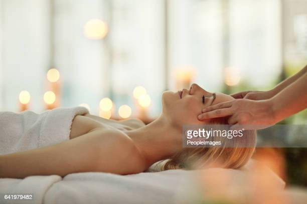 discovering the magic of a simple massage - massage stock photos and pictures