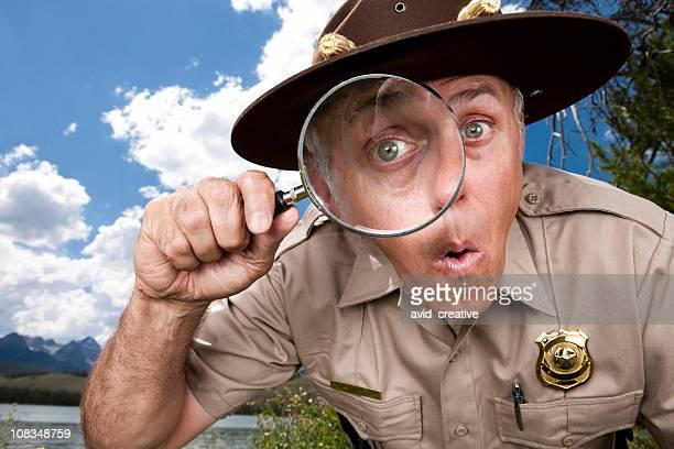Entdeckung: Park Ranger mit Lupe